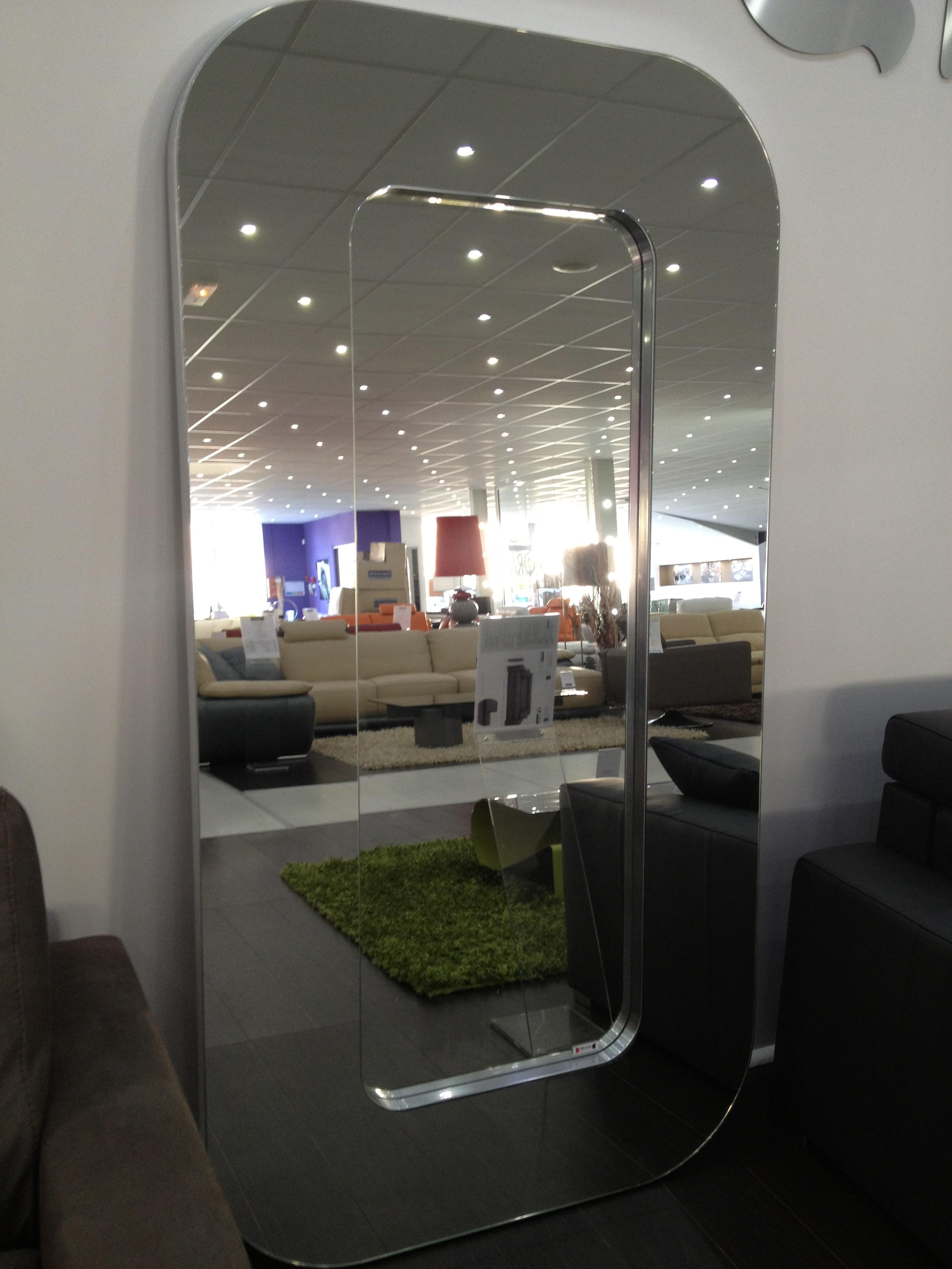 Miroir d co lounge xl chateau d 39 ax marseille 13 - Deco miroir muurschildering ...