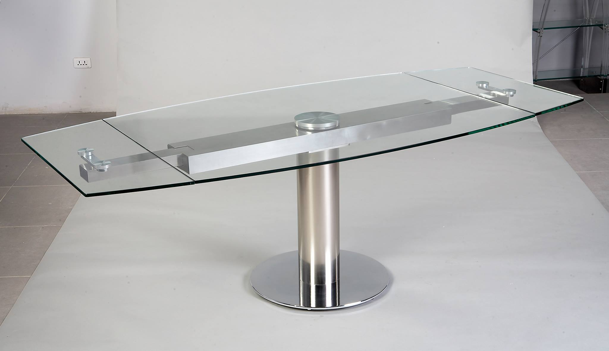 Table verre pied central allonge for Table verre rallonge salle manger