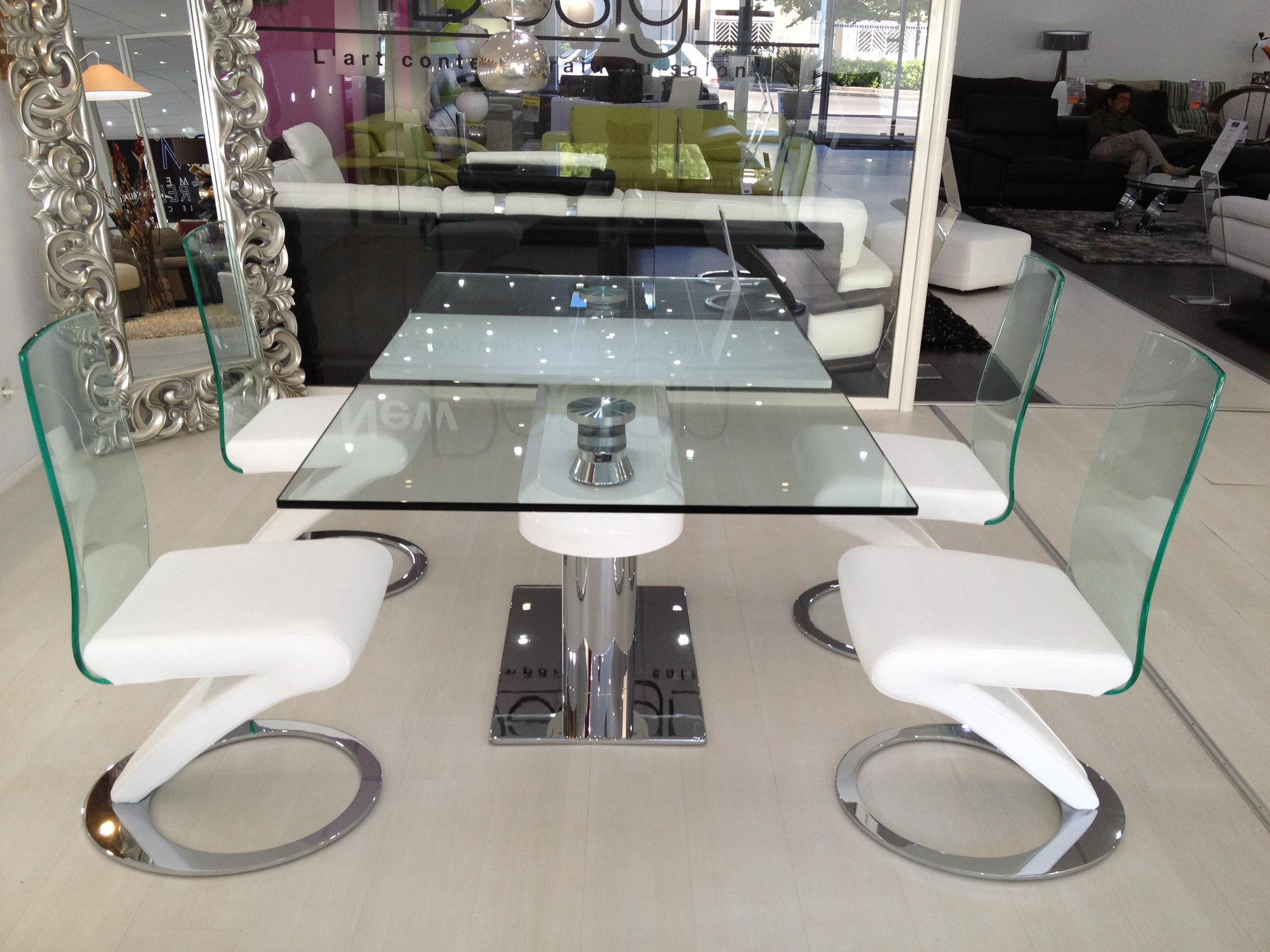 Table salle manger design en verre avec rallonges for Table sejour design